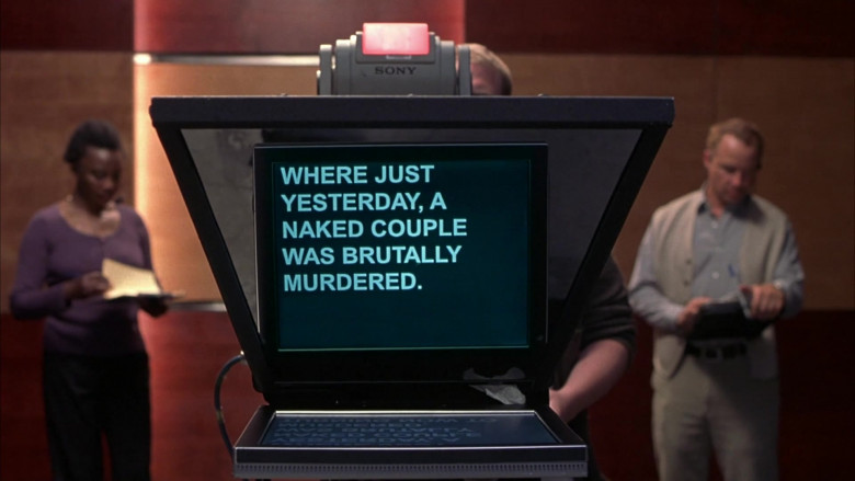 Sony Teleprompter in Scary Movie 3 (2003)