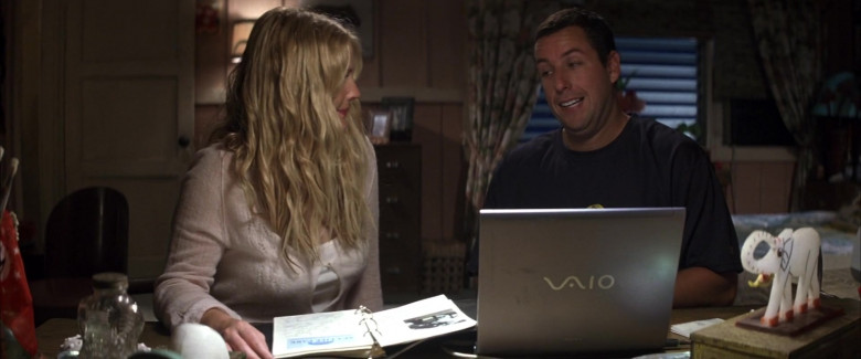 Sony Vaio Laptop of Drew Barrymore as Lucy Whitmore & Adam Sandler as Henry Roth in 50 First Dates Romantic Film (3)