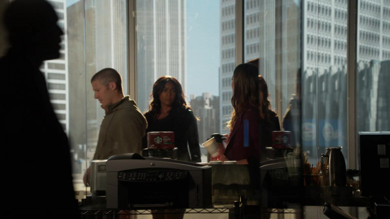 Starbucks House Blend Coffee in L.A.'s Finest S02E02 (1)