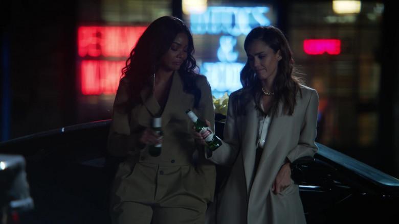 Stella Artois Beer of Gabrielle Union as Syd & Jessica Alba as Nancy McKenna in L.A.'s Finest S02E02 (4)