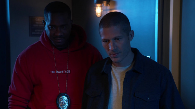 The Marathon Red Hoodie of Duane Martin as Ben Baines in L.A.'s Finest S02E12 (4)