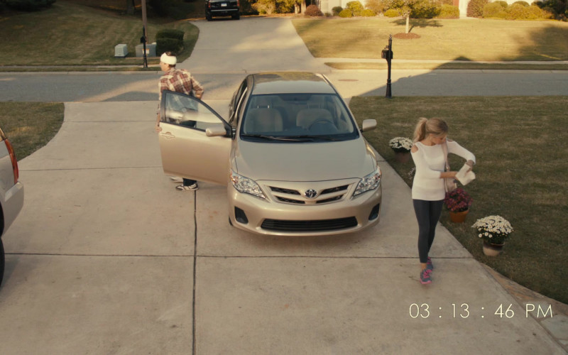 Toyota Corolla Car in Scary Movie 5