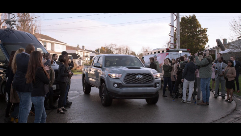 Toyota Tacoma Grey Car in Away S01E10 TV Show (1)
