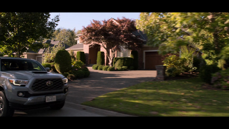 Toyota Tacoma Pickup Truck in Away S01E03 TV Show (1)