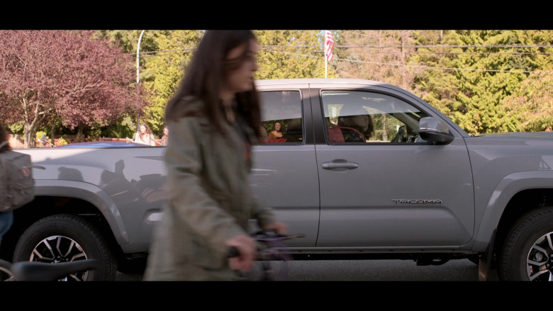 Toyota Tacoma Pickup Truck in Away S01E03 TV Show (3)
