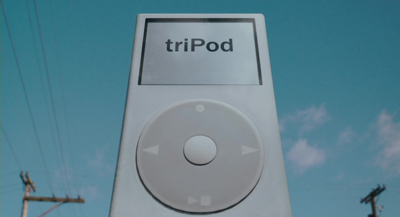 triPod (as Apple iPod Media Player) in Scary Movie 4 (1)