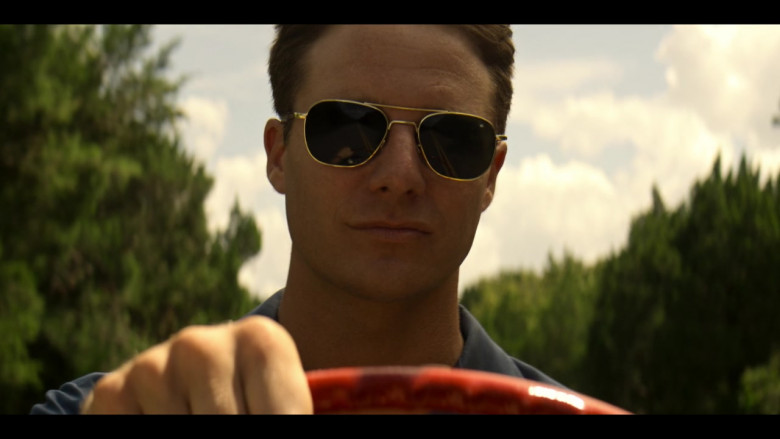 AO Pilot Sunglasses (Gold Frame) in The Right Stuff S01E02 TV Show (4)