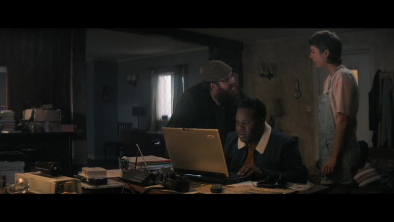 Acer Laptop Used by Samson Kayo as Elton John in Truth Seekers S01E05 (1)
