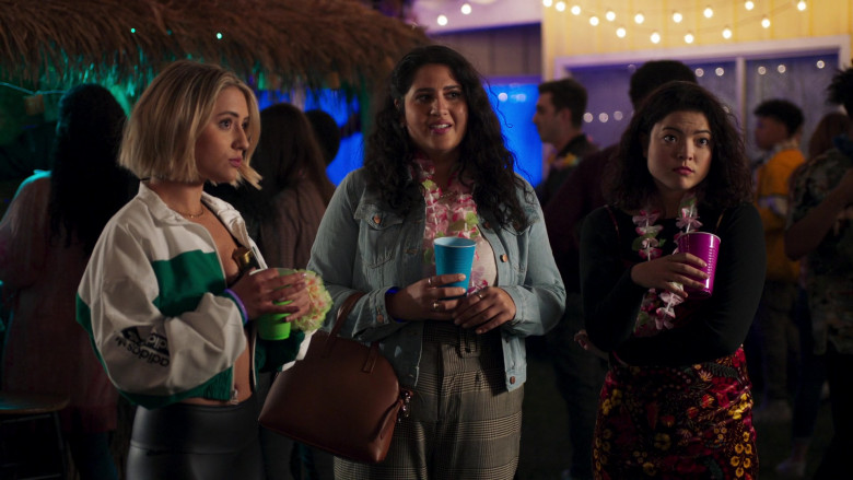 Adidas Multicolored White-Green Short Jacket Outfit of Lizze Broadway as Stephanie Stifler in American Pie Presents Girls' Rules (3)