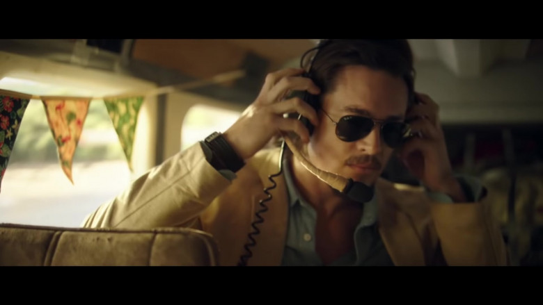 Alexander Dreymon as Jackson Wears Ray-Ban Aviator Frame Sunglasses in Horizon Line (2020) Movie