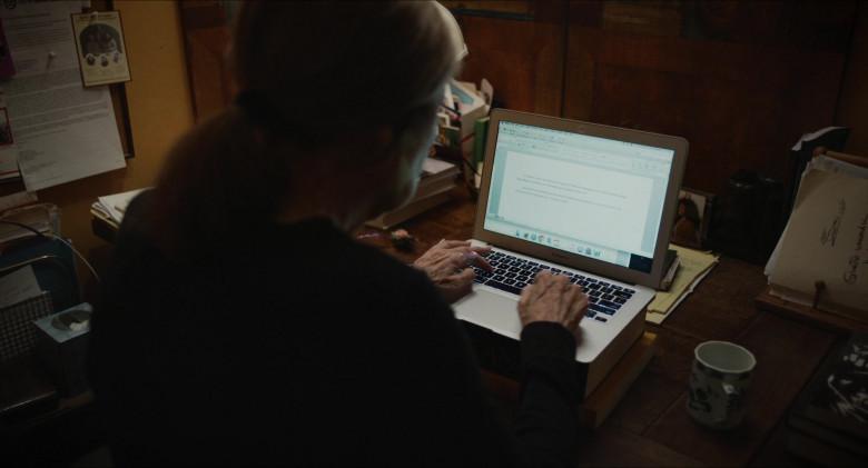 Apple MacBook Air Laptop in The Glorias (2020)
