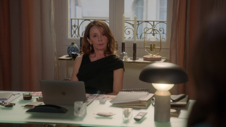 Apple MacBook Laptop Used by Philippine Leroy-Beaulieu as Sylvie in Emily in Paris S01E02 (2)