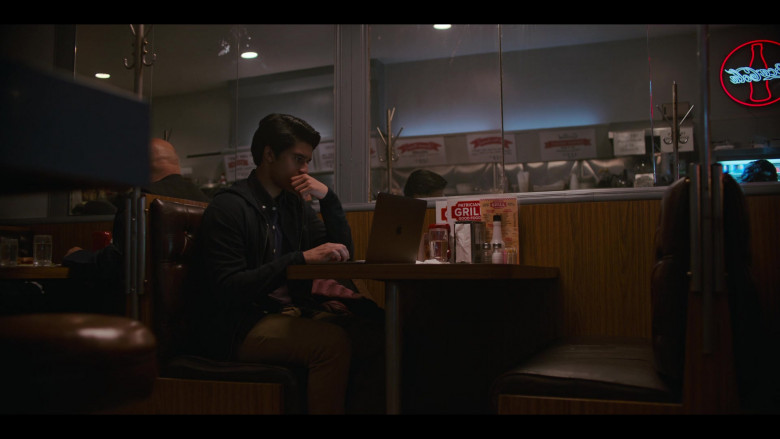 Apple MacBook Laptop of Amir Bageria as Siddhartha 'Sid' Pakam in Grand Army S01E03