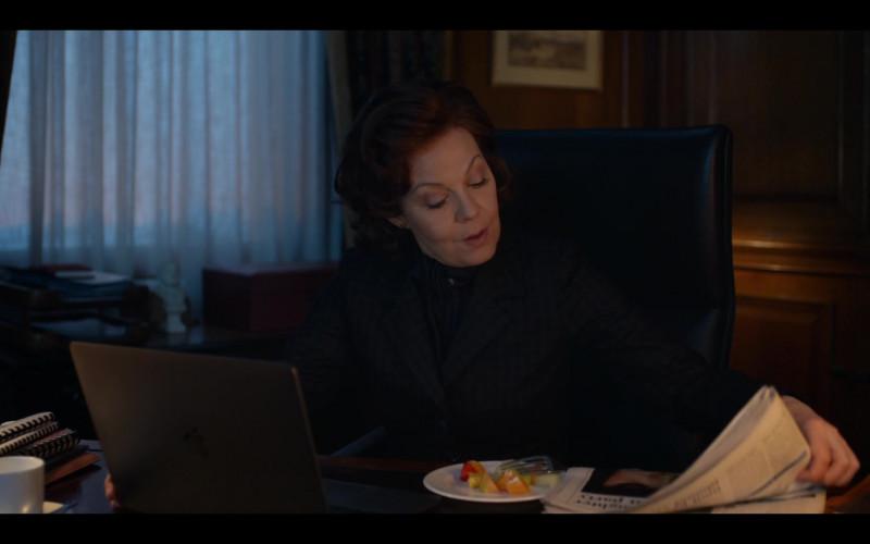 Apple MacBook Laptop of Helen McCrory as Dawn Ellison in Roadkill Episode 2 (2020)