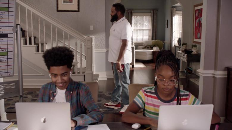 Apple MacBook Laptops of Miles Brown and Marsai Martin in Black-ish S07E02 (1)