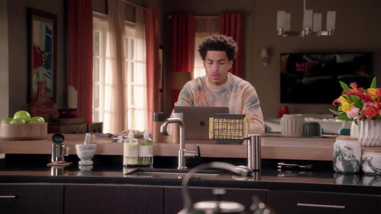 Apple MacBook Pro Laptop of Marcus Scribner as Junior in Black-ish Season 7 TV Show (3)