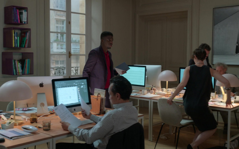 Apple iMac All-In-One Computers in Emily in Paris S01E02 Masculin Féminin (2020)
