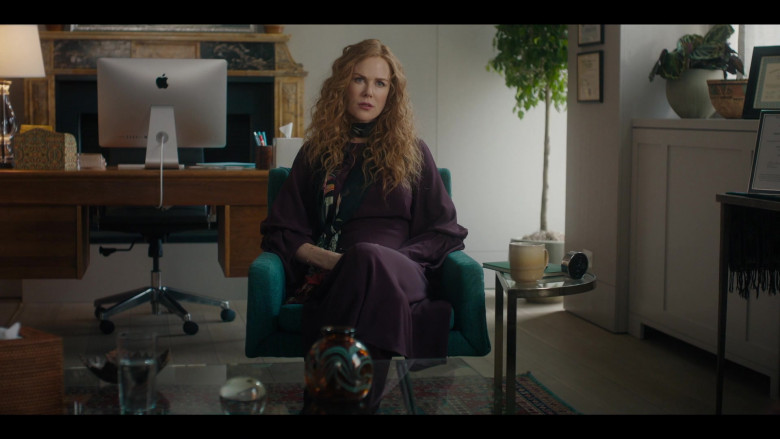 Apple iMac Computer of Nicole Kidman as Grace Fraser in The Undoing Episode 1 (2020)