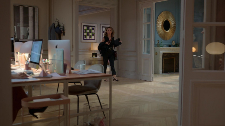 Apple iMac Computers in Emily in Paris – Season 1 Ep. 1