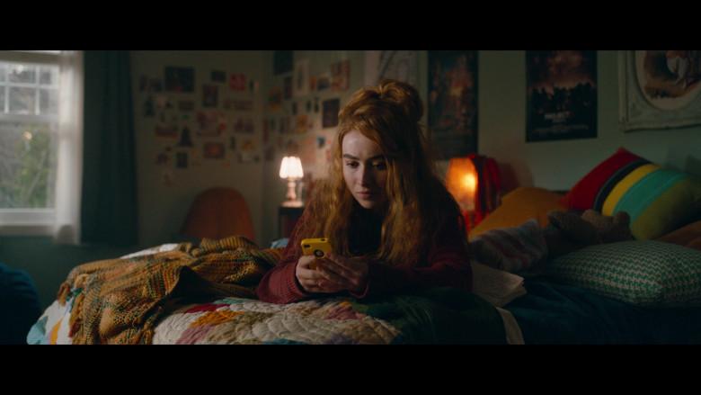 Apple iPhone Smartphone of Sabrina Carpenter as Sammy Brown in Clouds (2020)