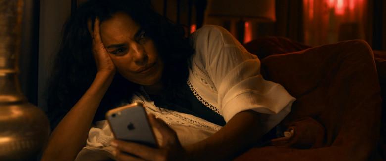 Apple iPhone Smartphone of Sarita Choudhury as Usha in Evil Eye Movie (2)