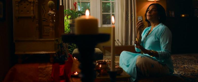 Apple iPhone Smartphone of Sarita Choudhury as Usha in Evil Eye Movie (5)
