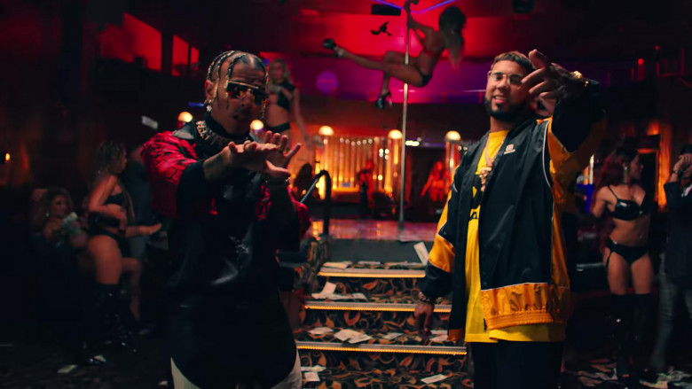 """Balenciaga Jacket Outfit of Anuel AA in """"Reloj"""" Music Video Clip (5)"""