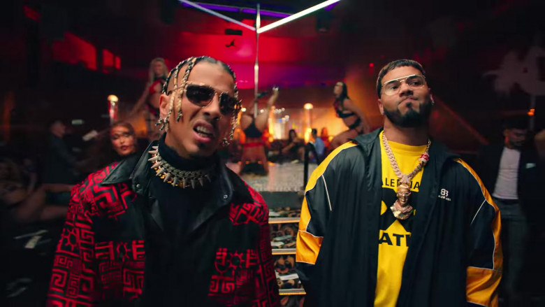 """Balenciaga Jacket Outfit of Anuel AA in """"Reloj"""" Music Video Clip (6)"""