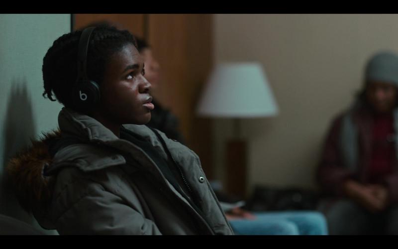 Beats Black Headphones in Grand Army S01E05