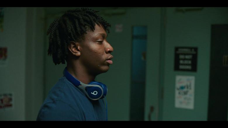 Beats Blue Headphones of Jaden Jordan as Owen Williams in Grand Army S01E01 (2)