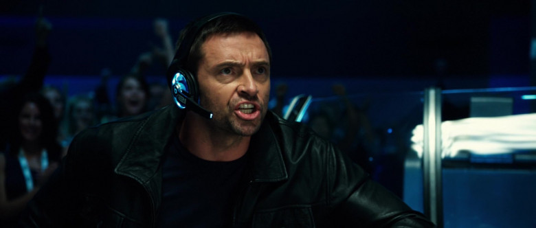 Beats Futuristic Headset of Hugh Jackman as Charlie Kenton in Real Steel (2)