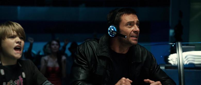 Beats Futuristic Headset of Hugh Jackman as Charlie Kenton in Real Steel (3)