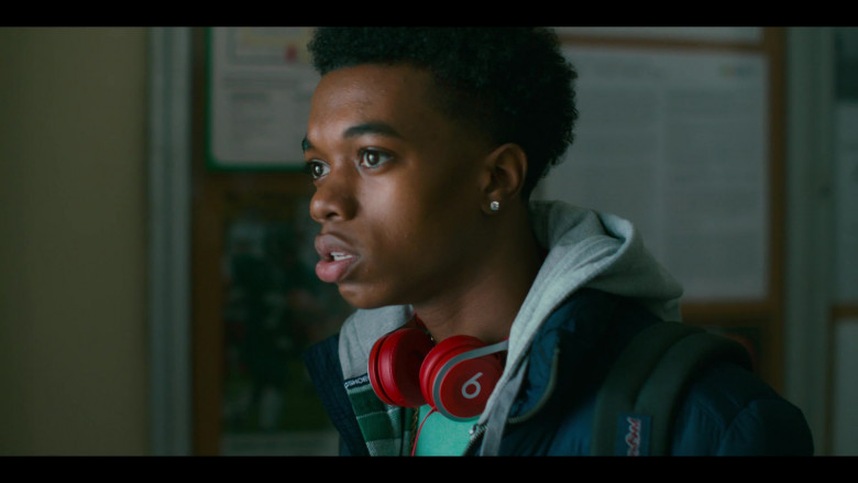 Beats Red Headphones of Maliq Johnson as Jayson Jackson in Grand Army S01E01 (3)