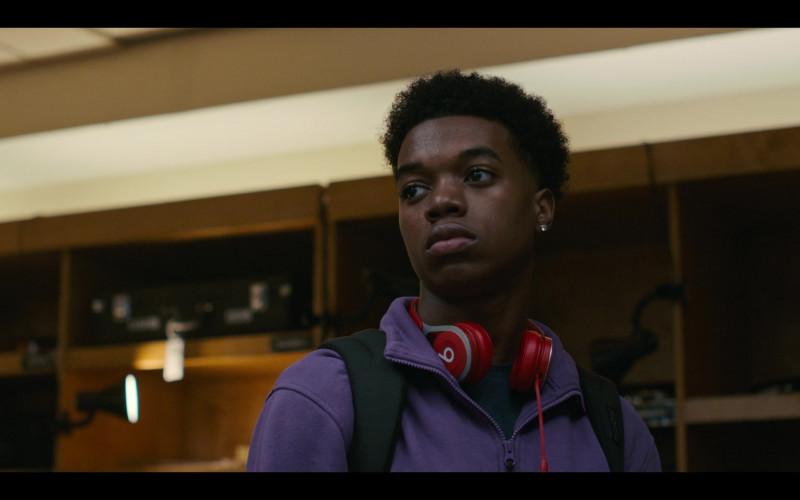 Beats Wireless Headphones of Maliq Johnson as Jayson Jackson in Grand Army S01E04 (3)
