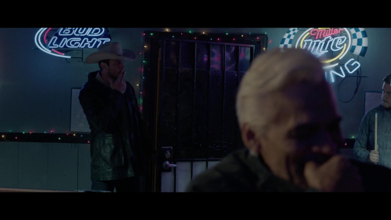 Bud Light and Miller Lite Neon Signs in The Devil Has a Name (2019)