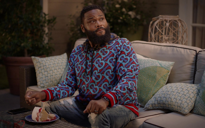 Burberry Monogram Print Hoodie Outfit of Anthony Anderson as Dre in Black-ish Season 7 TV Show (2)