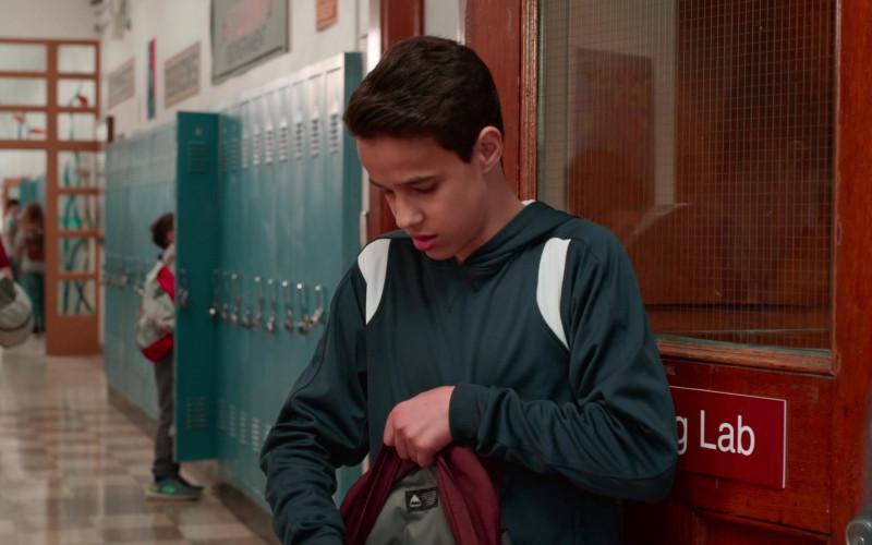 Burton Backpack of Isaac Arellanes as Ruben Reyna in Ghostwriter S02E06