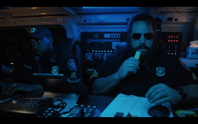 Butterfinger Candy Enjoyed by Kevin James as Officer Steve Downing in Hubie Halloween (2020)