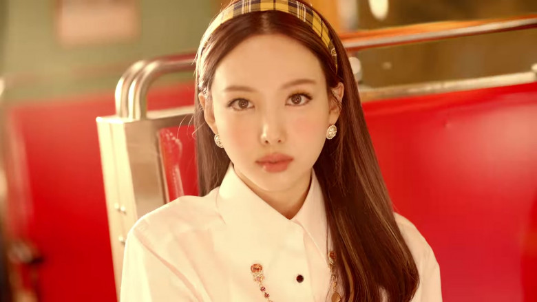 Chanel Earrings in I CAN'T STOP ME by Twice Girls (2)