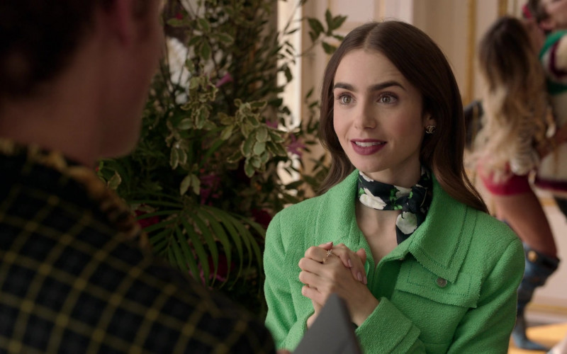 Chanel Earrings of Lily Collins in Emily in Paris S01E05 (3)