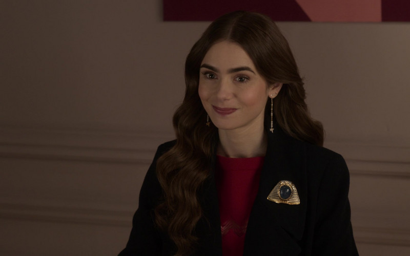 Chanel Egyptian Style Brooch of Lily Collins in Emily in Paris S01E10 (1)