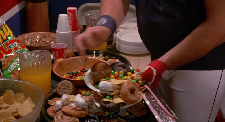 Coca-Cola Drinks in Angels in the Outfield (2)