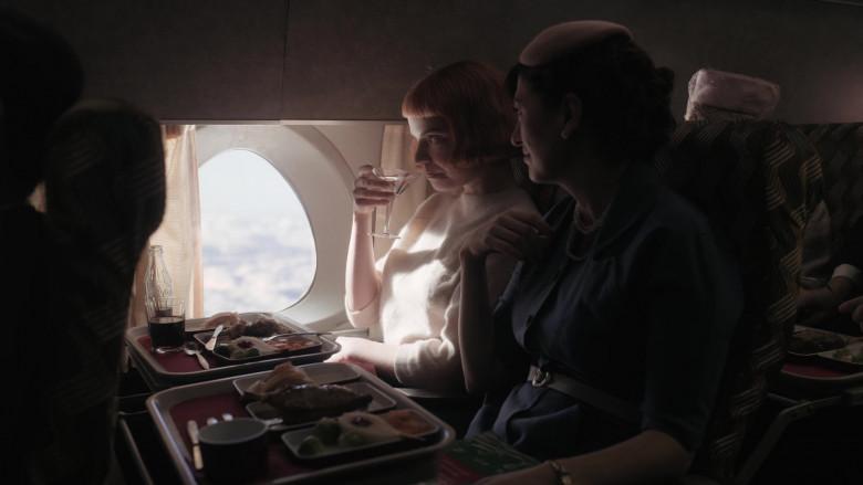 Coca-Cola Soda Bottle of Anya Taylor-Joy as Beth Harmon in The Queen's Gambit Episode 3 (2)