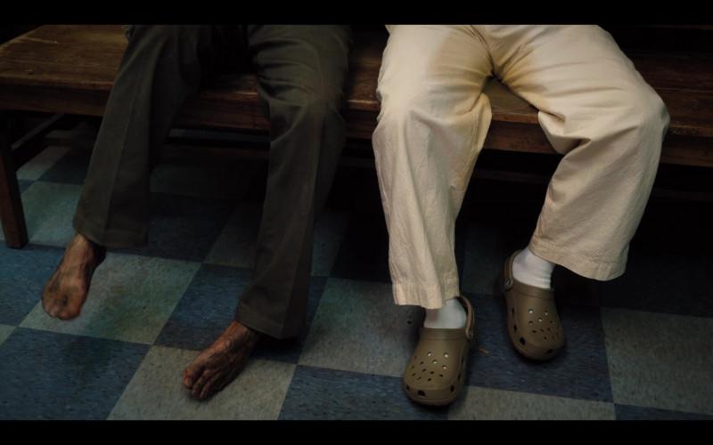 Crocs Shoes of Rob Schneider as Richie Hartman in Hubie Halloween (3)