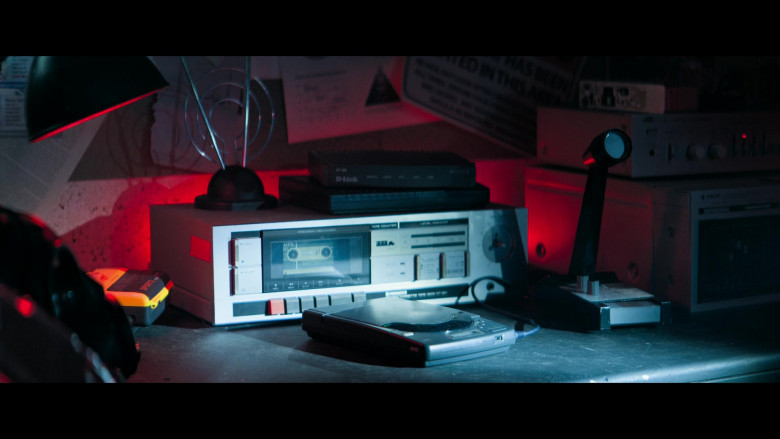 D-Link Router in Truth Seekers S01E05