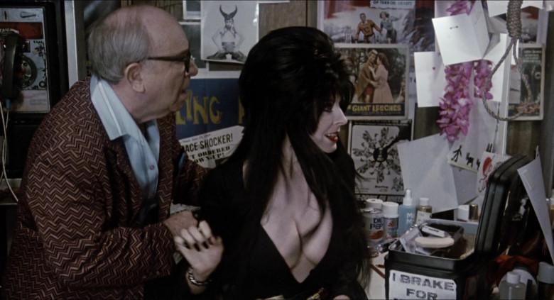 Diet Pepsi Can of Cassandra Peterson as Elvira – Great-Aunt Morgana Talbot in Elvira Mistress of the Dark Movie (2)