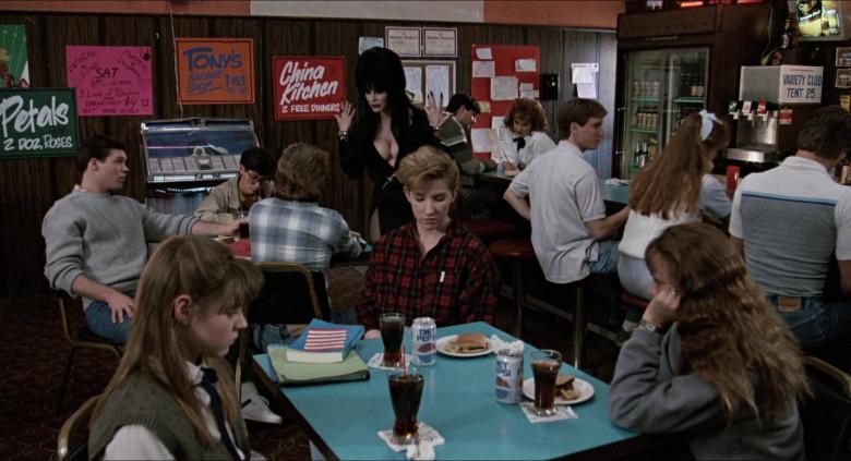 Diet Pepsi Soda Cans in Elvira Mistress of the Dark (2)