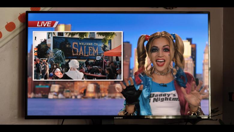 Element TV in Hubie Halloween (3)