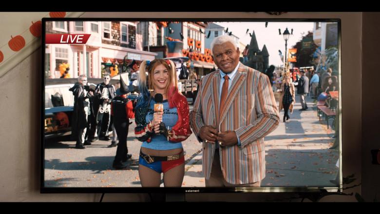 Element TV in Hubie Halloween (4)