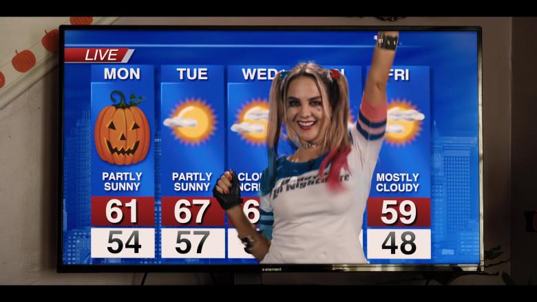 Element TV in Hubie Halloween (5)